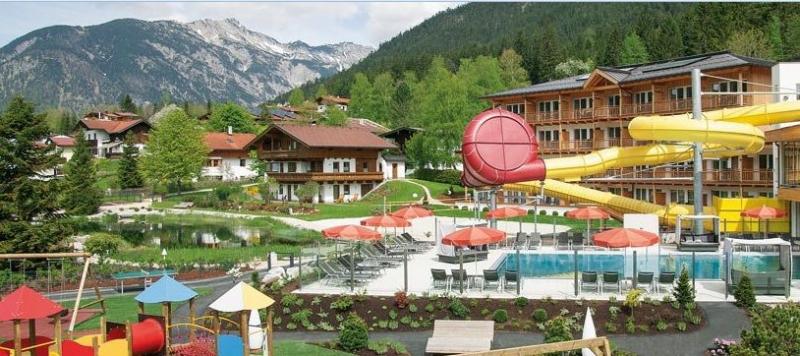 Hotel Mit Pool Und Rutsche In Osterreich