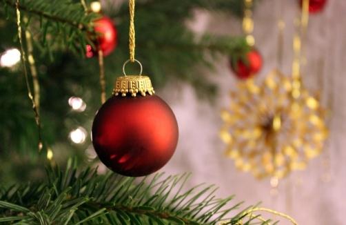 weihnachtszeit f r kinder christbaumschmuck und co auf. Black Bedroom Furniture Sets. Home Design Ideas
