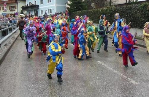 Fasching In Ebensee Die Ebenseer Nationalfeiertage Auf Sunny At
